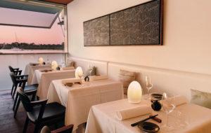 NEOZ kabellose Leuchte EGG fritted - Location Wasabi Restaurant Bar Noosa Sound