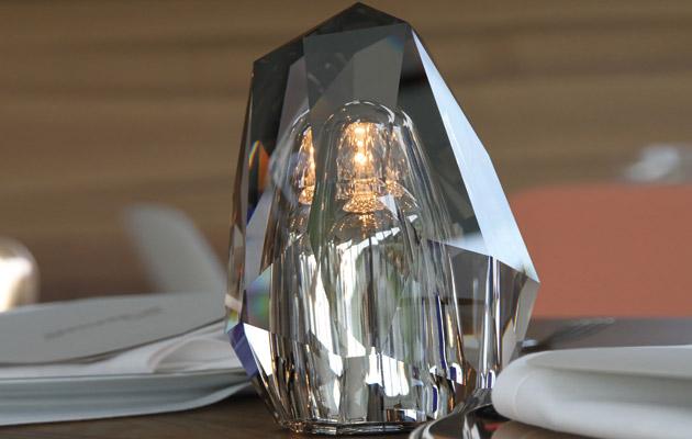 NEOZ kabellose Leuchte individuelle Anfertigung - Location Swarowski