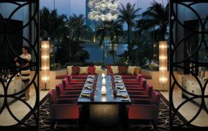 NEOZ kabellose Leuchte little Margarita - Location Angelini Restaurant & Bar Shangi la Bangkok