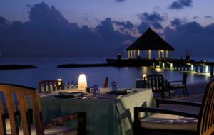 NEOZ kabellose Leuchte little Margarita - Location Bodu Hithi Resort Latitude