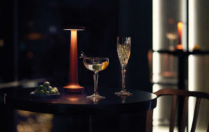 NEOZ kabellose Leuchte Poppy - Location O Bar & Dining Sydney